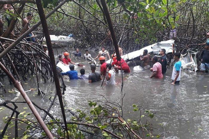 Peritos terminam de recolher destroços do avião que caiu com GD