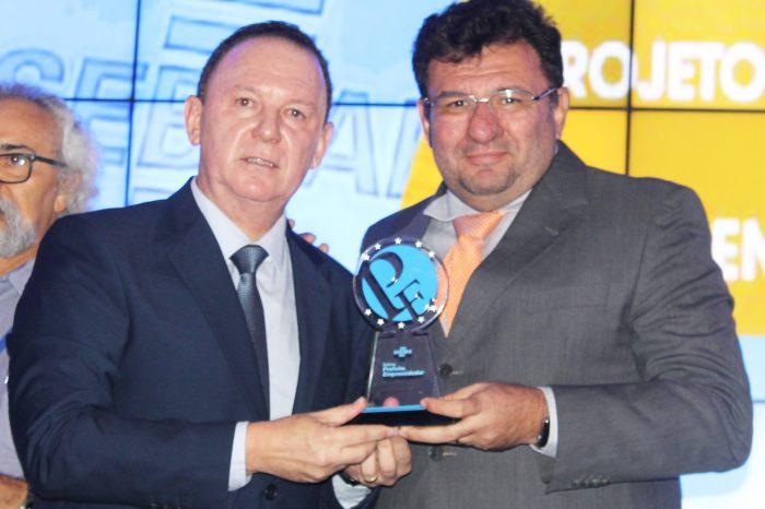 Prefeito de Gurjão vence mais uma vez o 'Prêmio Prefeito Empreendedor'