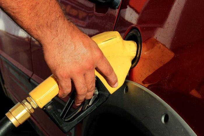 Preço do diesel aumenta nas refinarias a partir deste sábado