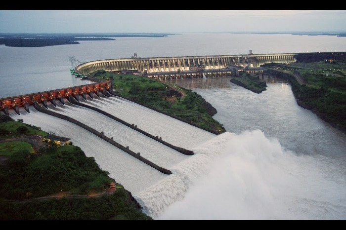 Paraguai anula acordo com Brasil sobre Usina de Itaipu