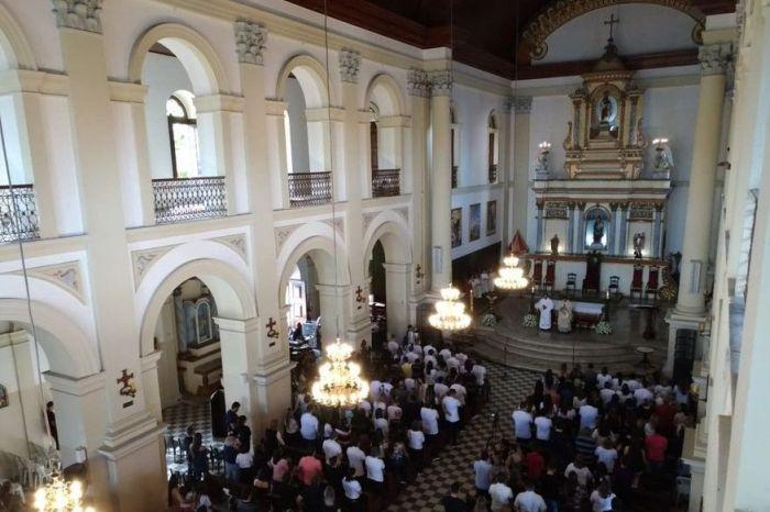 Missa de 7º dia de Gabriel Diniz lota igreja em JP