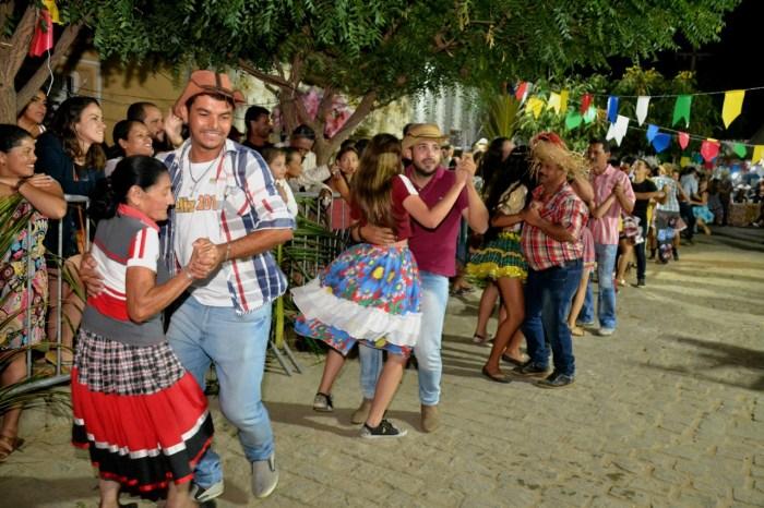 Festival de Quadrilhas anima ruas de Monteiro e entra para o seu 5° dia