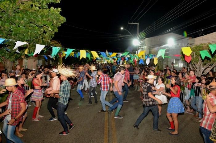 Festival de Quadrilhas foi o ponta pé inicial das festas de São João na cidade de Monteiro