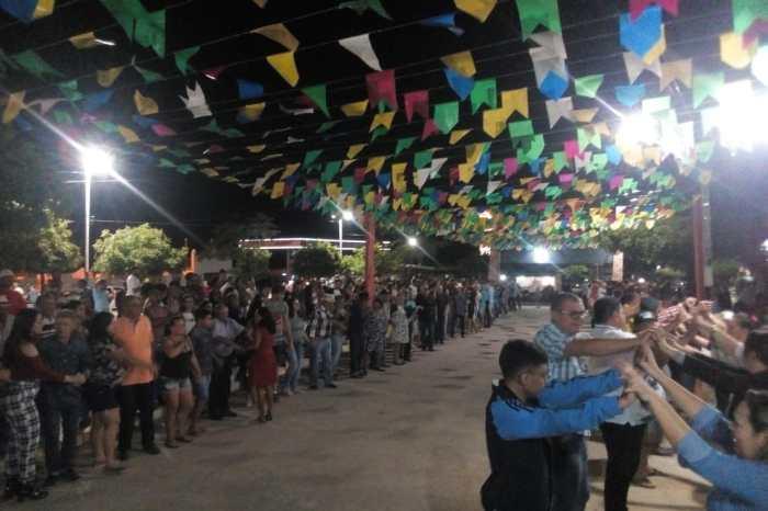 Arraial Duduzão, em Caraúbas, tem noite de recorde de público com o São João dos agricultores