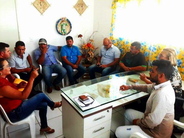 Silvana firma parceria com empresa para escoamento da produção de leite de Santo André