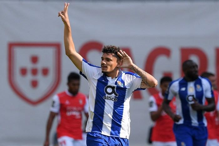 Paraibano Tiquinho Soares é sondado por clubes de China e Itália