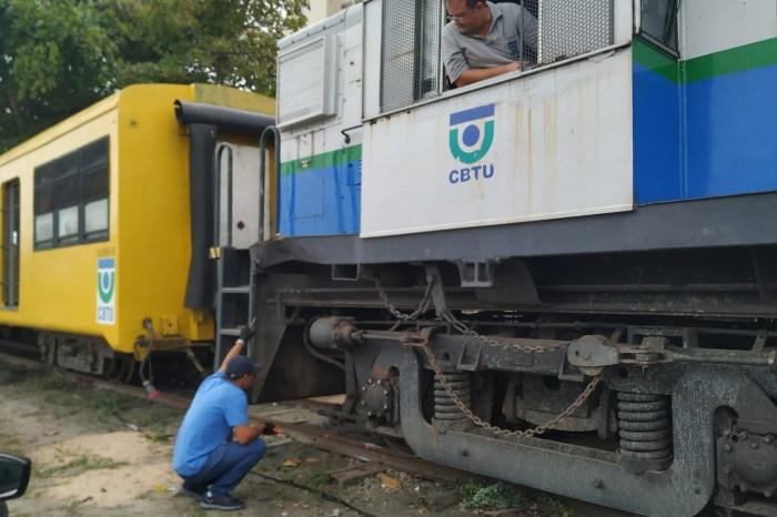 'Trem do Forró' descarrila durante passeio em Campina