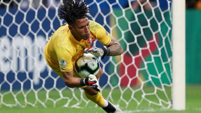 Peru elimina Uruguai nos pênaltis em jogo morno