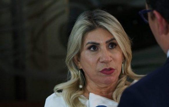 MOÍDOS DA REDAÇÃO: Edna Henrique não vota em destaque que beneficiaria professores na Reforma da Previdência