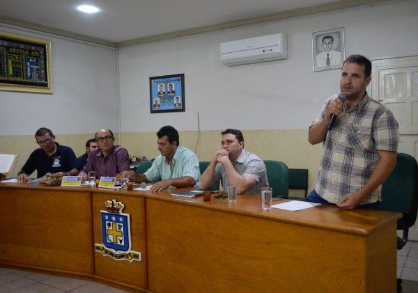 Cosme tira nova licença e Hélder Trajano permanece a frente da Prefeitura de São João do Cariri