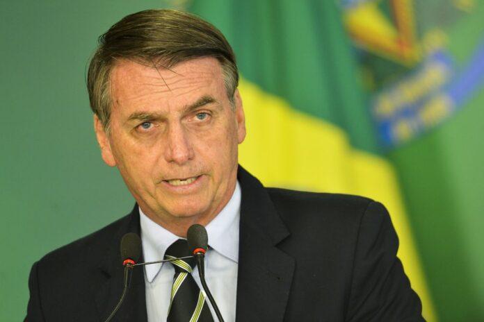 Bolsonaro diz que Brasil não será passivo com ataques à soberania