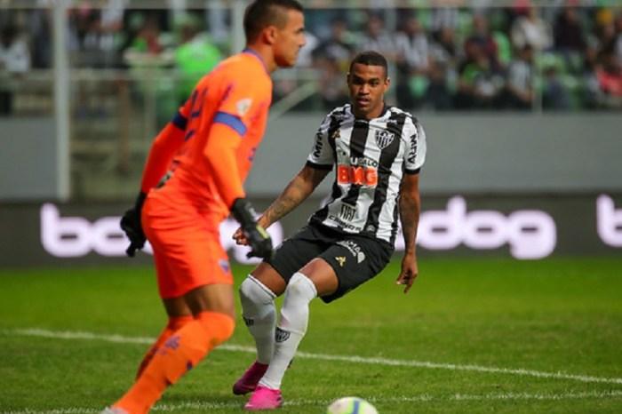 Atlético-MG cede empate ao Fortaleza em jogo com VAR confuso