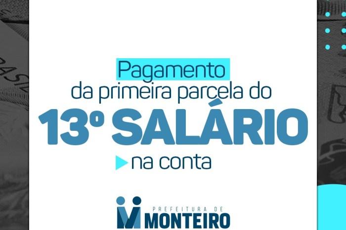 Promessa cumprida, funcionários da Prefeitura de Monteiro sacam primeira parcela do 13º