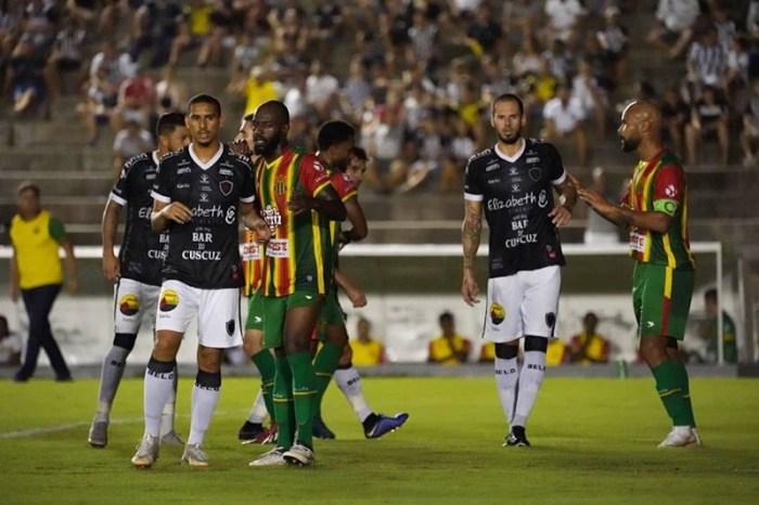 Botafogo-PB perde para o Sampaio Corrêa e pode deixar o G4