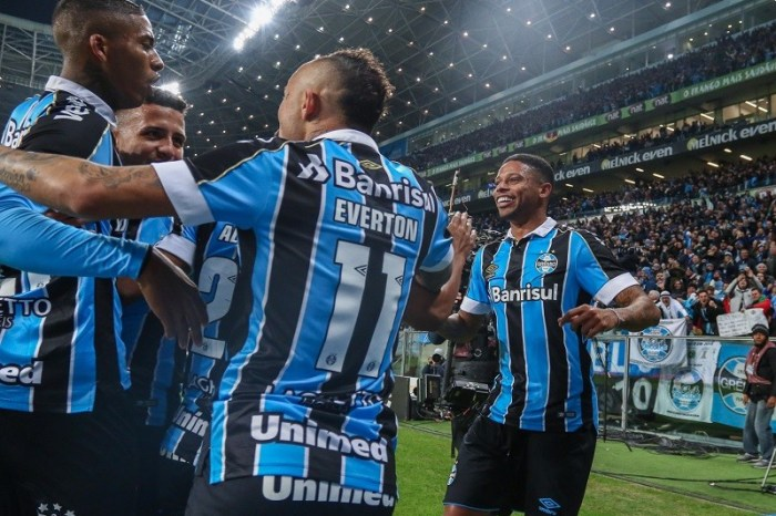 Grêmio abre vantagem na semifinal da Copa do Brasil