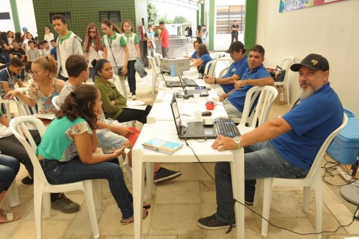 Ação na Semana da Juventude oferece emissão de documentos estudantes de Monteiro