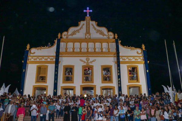 Chegada da imagem de Nossa Sra. marca o início da Festa da Padroeira em São João do Cariri