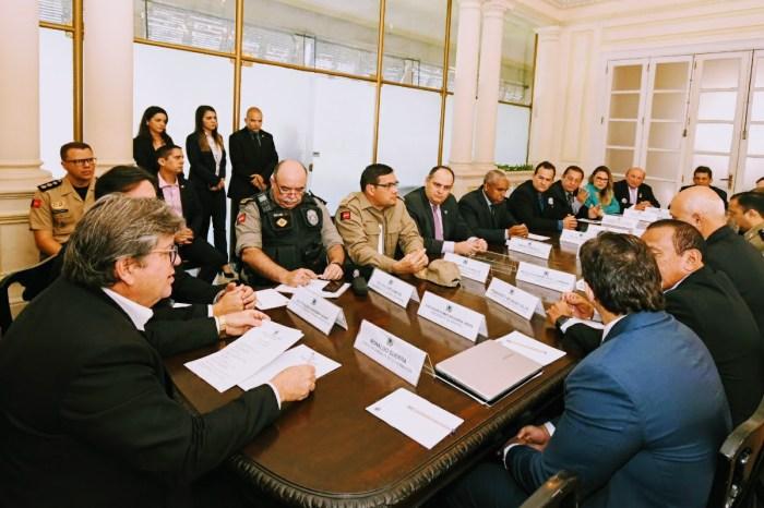 Governador recebe representantes das categorias da Segurança