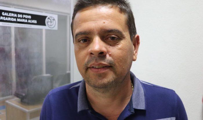 Ex-prefeito de São João do Cariri diz que será candidato em 2020 e alfineta prefeito Hélder