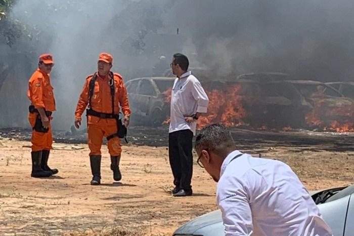 31 veículos são destruídos em ataque a concessionária no Ceará