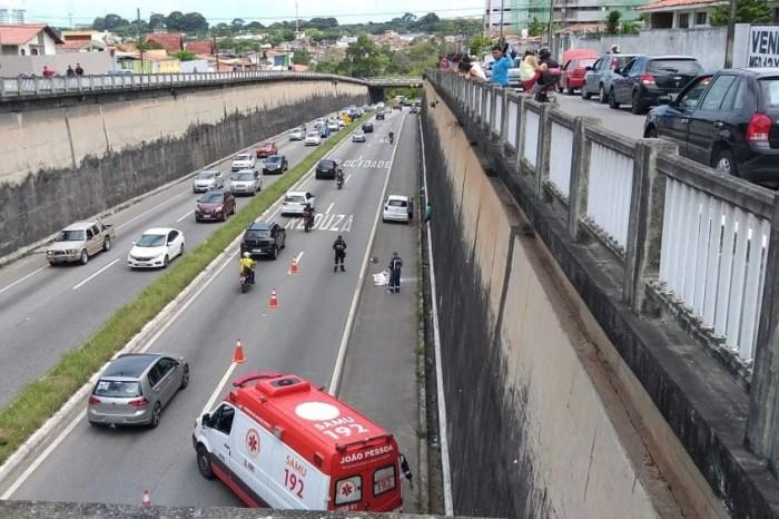 Motociclista morre após ser arremessado de viaduto na BR-230