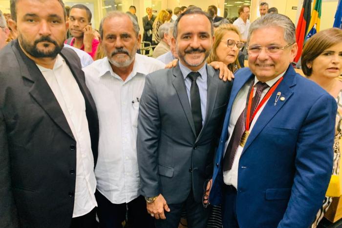 Prefeito, vice e presidente da Câmara de SSU participam de evento em homenagem a Adriano Galdino