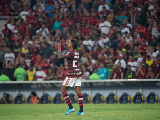 Flamengo folga na liderança e segue ´triturando´ adversários