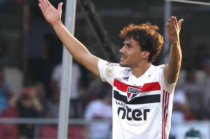 São Paulo vence e abre folga para Inter e Corinthians no G-4