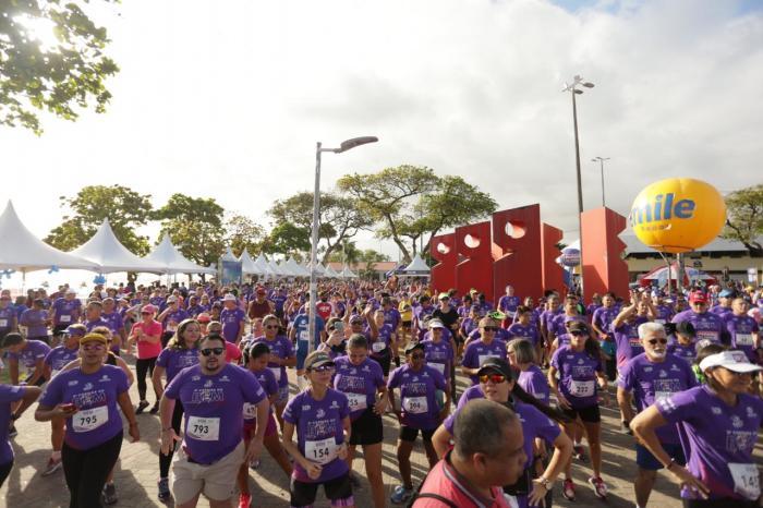Corrida do Bem atrai multidão e faz homenagem a Gabriel Diniz