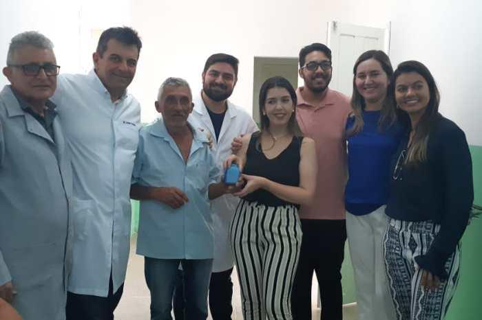 Monteirenses recebem próteses do Centro de Especialidades Odontológicas