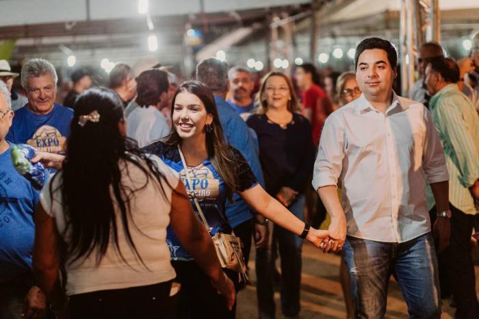 Prefeita Anna Lorena recebe carinho do público expectador da Expo Monteiro