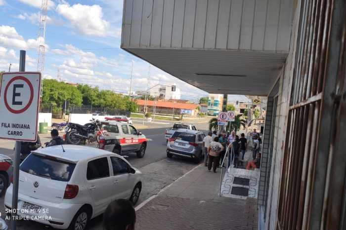 Bandidos tentam assaltar e atiram em proprietário de correspondente bancário