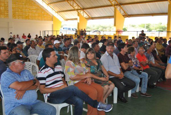 27 cidades do Cariri se reúnem para debater e protestar contra PEC de extinção de municípios