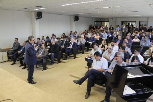 """""""Fim dos Lixões"""": prefeitos do Cariri participam de audiência em Campina Grande"""