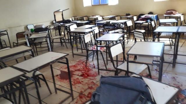 Aluno atira contra colegas e fere 2 dentro de escola em MG