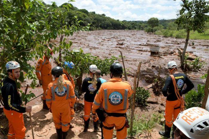 Barragens da Vale em risco deixam famílias desalojadas