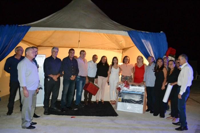 Prefeita Anna Lorena celebra final de ano com confraternização do funcionalismo