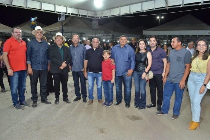 Ao lado da prefeita Lorena, Adriano Galdino participa da 14ª Exposição de Animais em Monteiro