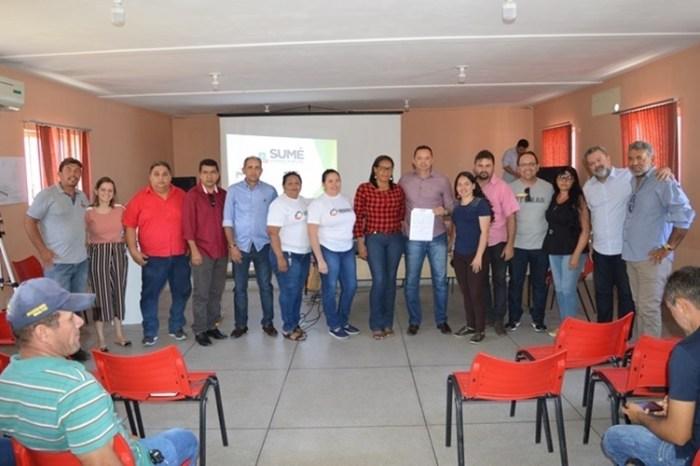 Éden Duarte assina ordem de serviço para a obra de abastecimento do sítio Santo Agostinho