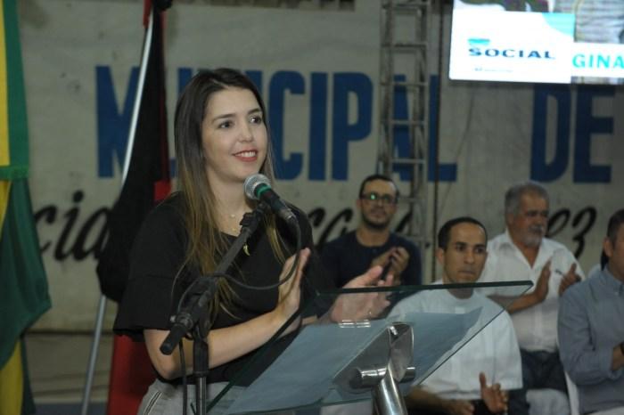Prefeita Anna Lorena propõe adequação na taxa de iluminação pública