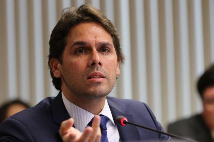 Governo Bolsonaro anuncia demissão do presidente do INSS