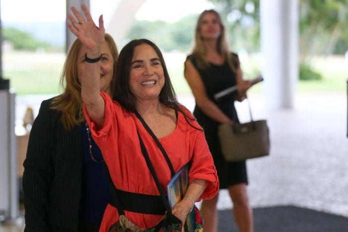 Regina Duarte diz sim a Bolsonaro e aceita chefiar Secretaria da Cultura