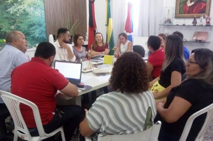 Secretários se reúnem com Conselho Municipal da Pessoa com Deficiência em Monteiro