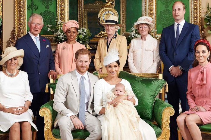 Família real soube de renúncia de Harry e Meghan pela TV