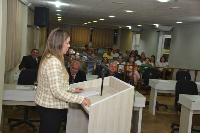 MOÍDOS DA REDAÇÃO: Com presença da prefeita Anna Lorena, vereadores de oposição faltam a sessão da Câmara de Monteiro
