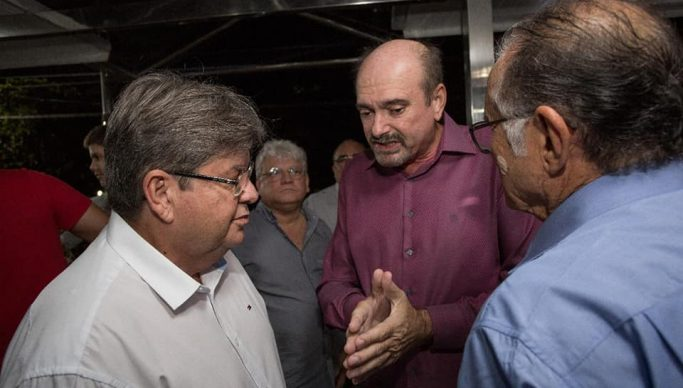 MOÍDOS DA REDAÇÃO: Jeová Campos defende João Azevêdo e diz que oposição quer ganhar o Governo no tapetão
