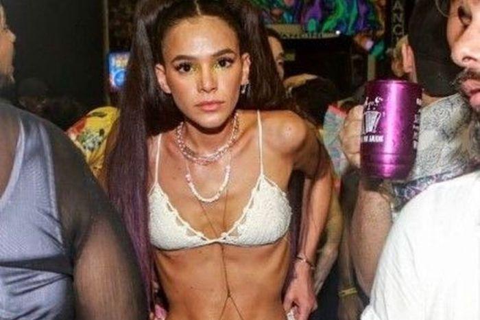 Marquezine reage a críticas ao corpo após foto de biquíni