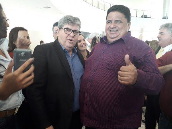 Mais um prefeito do Cariri anuncia filiação ao partido de João Azevêdo