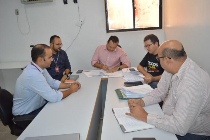 Prefeitura de Sumé e BNB firmam parcerias que beneficiarão servidores e contribuintes