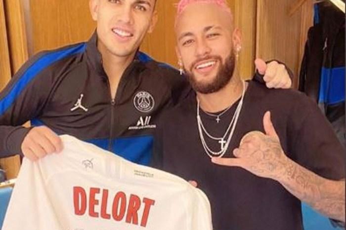 Após goleada, Neymar provoca desafeto com camisa autografada
